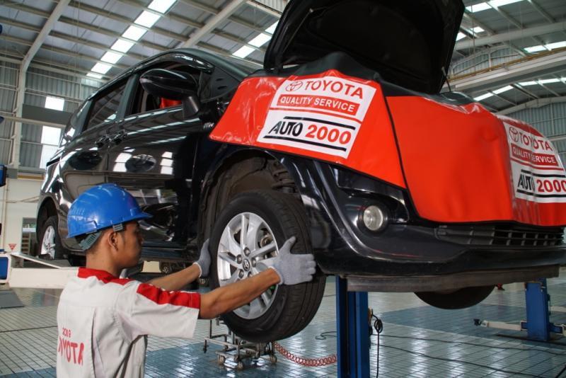 Bukan hanya memberikan layanan servis berkala Toyota saja, bengkel Auto2000 buka di Hari Minggu juga melayani jenis servis lainnya. (dok. Auto2000)