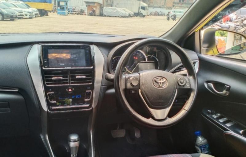 Head unit berukuran 7 inchi bisa dengan handphone melalui peranti Miracast di New Yaris. (Foto : bs)