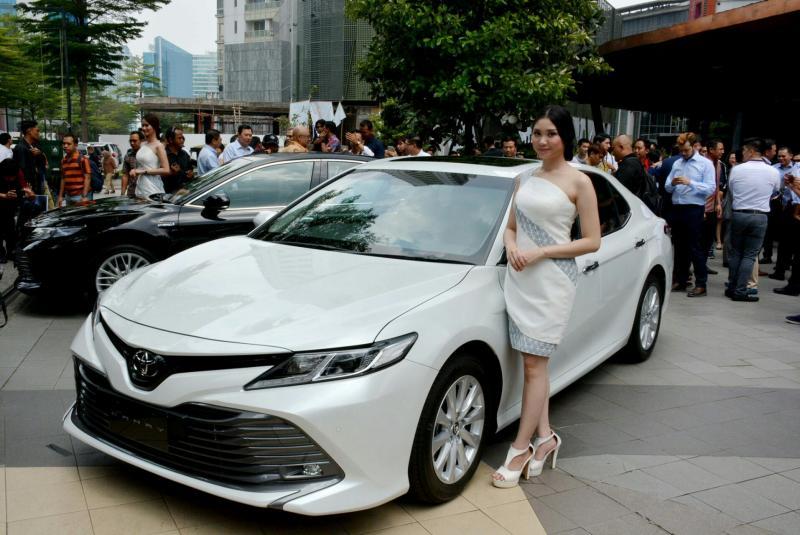 khusus New Camry Hybrid, perolehan Auto2000 secara nasional mencapai 100 unit, didominasi di wilayah Jakarta. (anto).