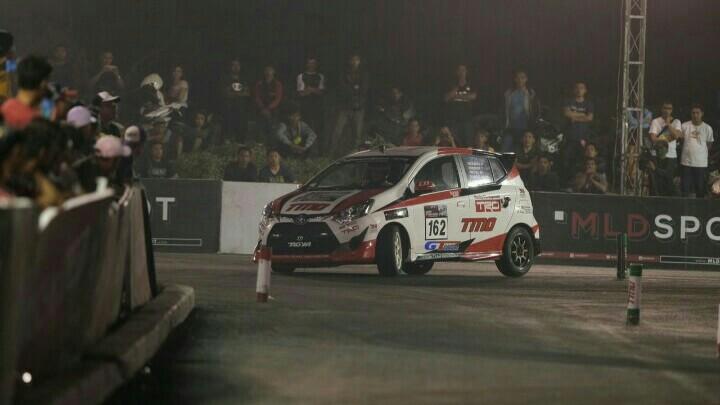 Ban GT Radial Champiro SX2 ikut mengantar skuad TTI mengunci juara nasional kelas F tahun ini.  (foto : toyotatti)