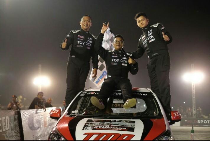Trio peslalom Toyota Team Indonesia dari kiri Adrianza Yunial, Anjasara Wahyu dan Herdiko Setyaputra berjaya di Harapan Indah Kota Bekasi