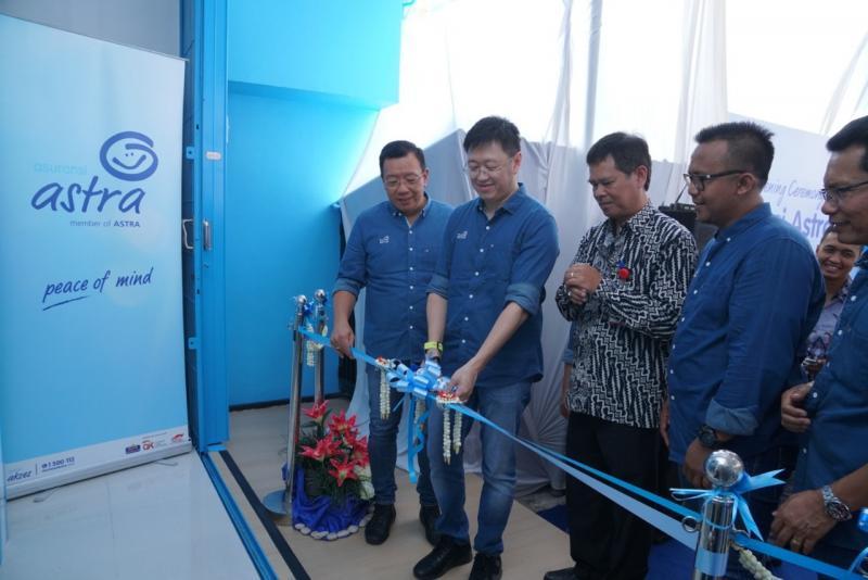 Rudy Chen (kedua dari kiri), Cakupan layanan harus ditingkatkan agar semua pelanggan mendapatkan kualitas layanan yang sama baik. (ist)