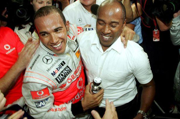 Lewis Hamilton bersama sang ayah, Anthony, dari kalangan menengah Inggris ke puncak prestasi dan glamonyar F1. (Foto: mirror)