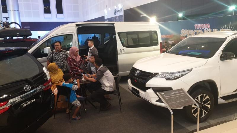 Auto2000 juga menyediakan program promo berlimpah benefit yang bisa dimanfaatkan oleh konsumen yang berkunjung ke IIMS Surabaya 2019. (auto2000id)