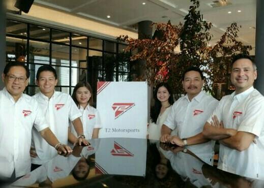 Rio Haryanto, David Tjipto, Irmawan Poedjoadi dan official T2 Motorsport