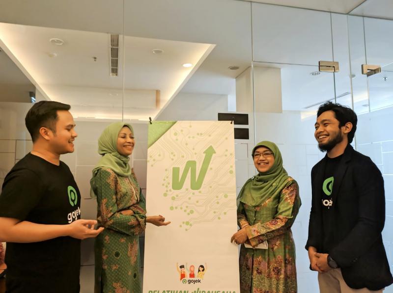Gojek Latih Ratusan Ibu-Ibu Anggota Muslimat NU Bogor Sukses Berbisnis
