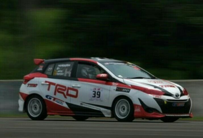 Toyota Yaris TTI antarkan Haridarma Manoppo tercepat Superpole kelas ITCR Max putaran 6 musim 2019. (foto : TTI)