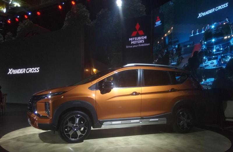 Mitsubishi Xpander Cross mengedepankan ciri khasnya yakni Dynamic Shield Design yang semakin tegas dan tampilan bodi yang tampak lebih kekar. (anto)