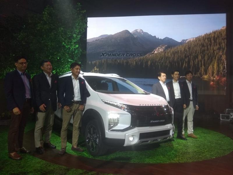 Diposisikan sebagai varian tertinggi, Xpander Cross yang resmi meluncur dalam status World Premiere di Indonesia, melengkapi jajaran varian dari Xpander yang lebih dulu eksis.(anto)