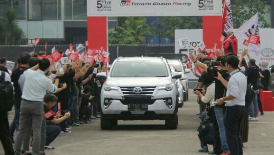 Rombongan principal Toyota Motor Corporation lakukan Toyota 5 Continent Drive Asia 2019-2020