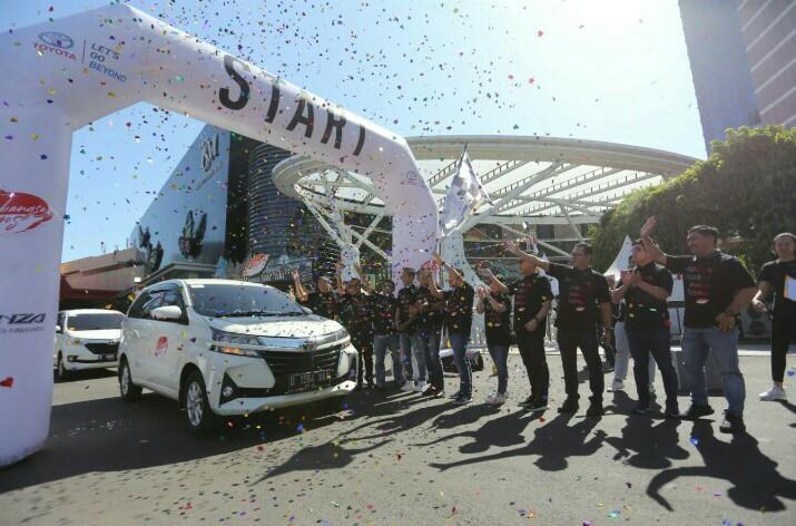 Sebangsa Trip diikuti ratusan pemilik Avanza kunjungi landmark andalan di kota Bandung