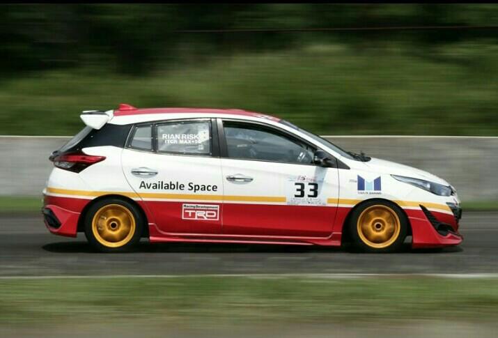 Toyota Yaris hadiah ulang tahun dari Rio Bramantio kepada Rian Risky agar bisa juara balap mobil ISSOM. (foto : bayu perfourm)