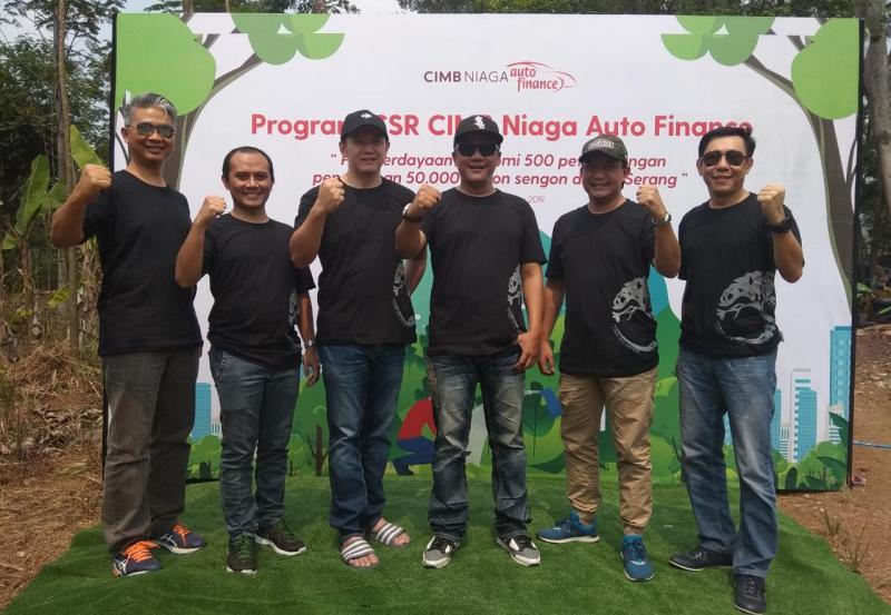 Board of Directors CIMB Niaga Auto Finance pada acara CSR di Anyer, Banten (20/10/2019), tengah menyiapkan peluncuran transaksi pembiayaan berbasis digital platform. (anto)