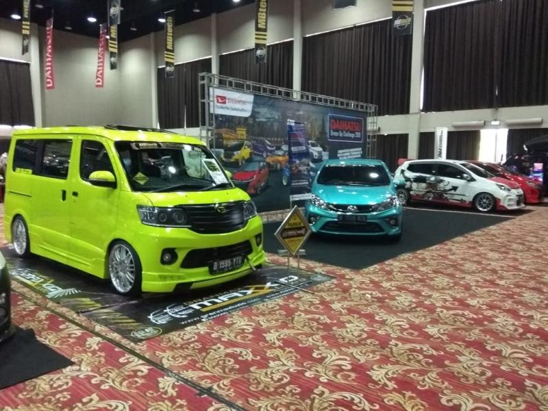 Sebagai kota ke-14, Jakarta terpilih sebagai lokasi adu keren ultimate yang melibatkan 126 unit Daihatsu dari berbagai model.(anto)