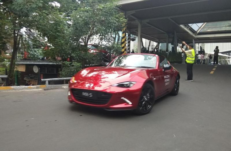 Pada kesempatan ini, calon konsumen dapat menguji berbagai model Mazda terbaru yang telah dilengkapi teknologi SKYACTIV.(anto)