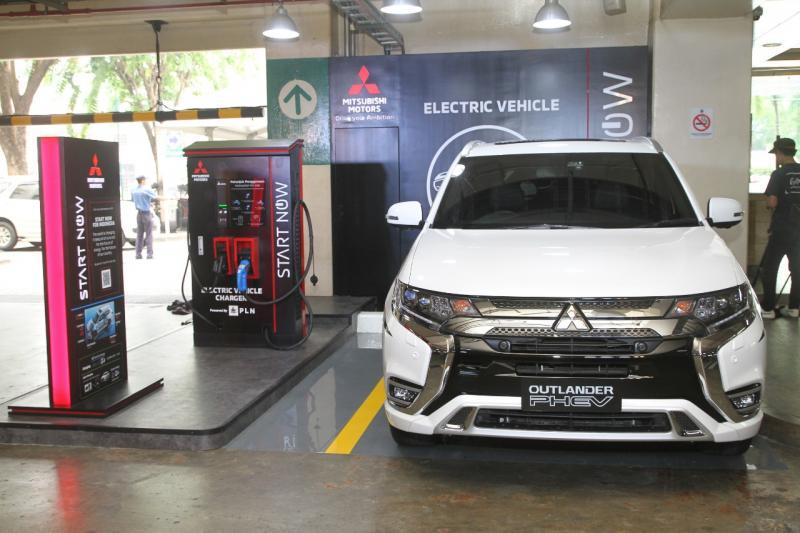 Dengan beragam kelebihannya, Mitsubishi OUTLANDER PHEV jadi senjata Palang Merah Indonesia (PMI) dalam menanggulangi bencana