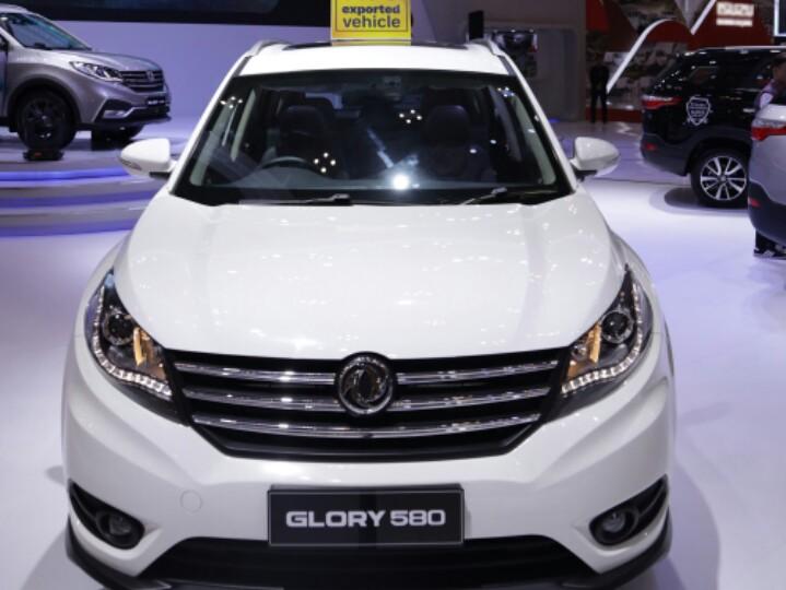 DFSK Glory 580 memenuhi pasar ekspor DFSK ke Hong Kong, yang ditargetkan mencapai 1.000 unit pada 2020. (foto : dfsk)