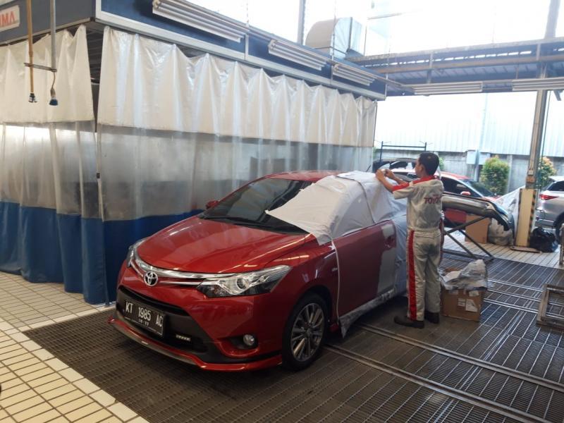 Perawatan kendaraan di bengkel Body and Paint Auto2000 Balikpapan