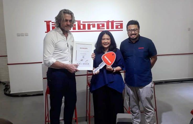 Monica Pangkey, Wanita Pertama Pemilik Lambretta Di Indonesia