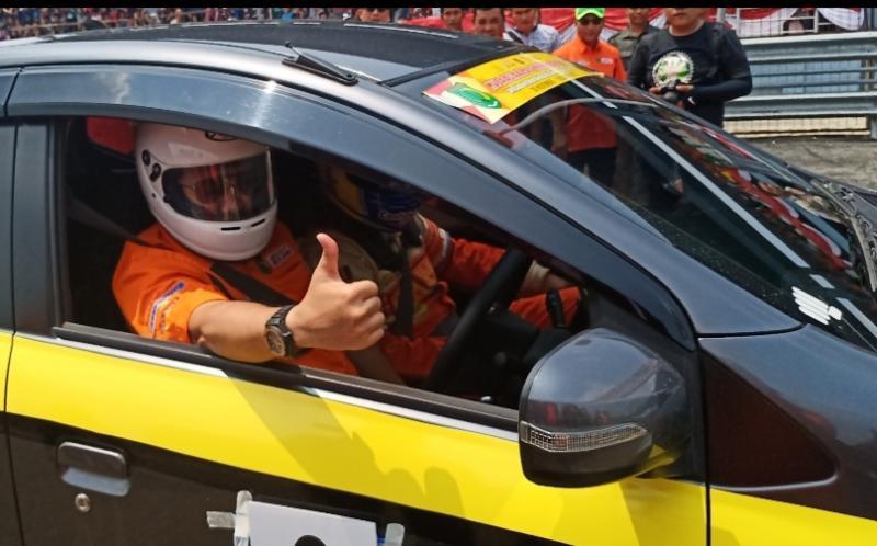 Dodi Reza Alex ogah disopirin pembalap mobil legendaris Chandra Alim di Skyland International Circuit Muba. (Foto : bs)