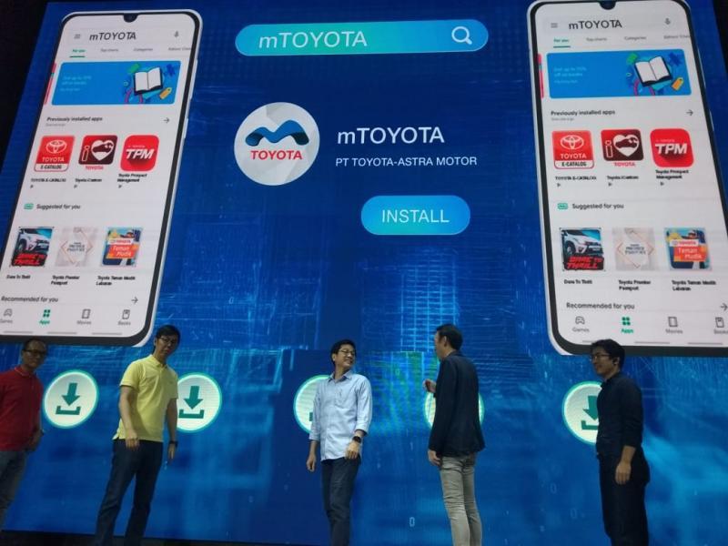 Anton Jimmi Suwandy, Marketing Director PT TAM menyebut mTOYOTA memiliki fitur-fitur yang memenuhi seluruh kebutuhan pelanggan. (anto)