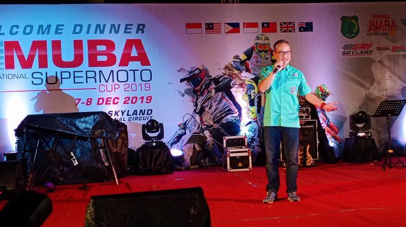 Dato Eric Loo saat speech pada diinner party di Pendopo Sekayu Musi Banyuasin Sumatera Selaran. (foto : bs)