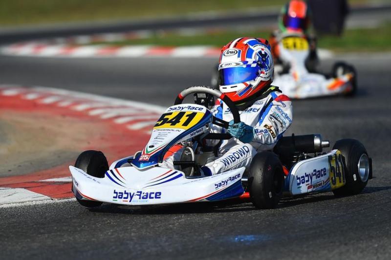 Aditya Wibowo overtake  juara dunia Mini60, Rashid Al Dhaheri di Macau