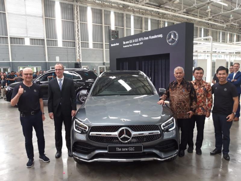 Mercedes Benz Distribution Indonesia resmi meluncurkan dua SUV terbaru, New GLC dan New GLE di pabrik Wanaherang, Bogor