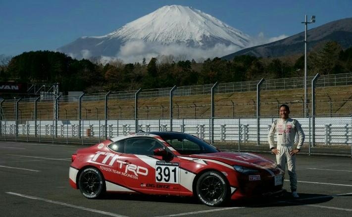 Demas Agil dan Toyota 86 yang menjadi andalan di Toyota Gazoo Racing Festival 86/BRZ Race, Fuji Speedway hari ini