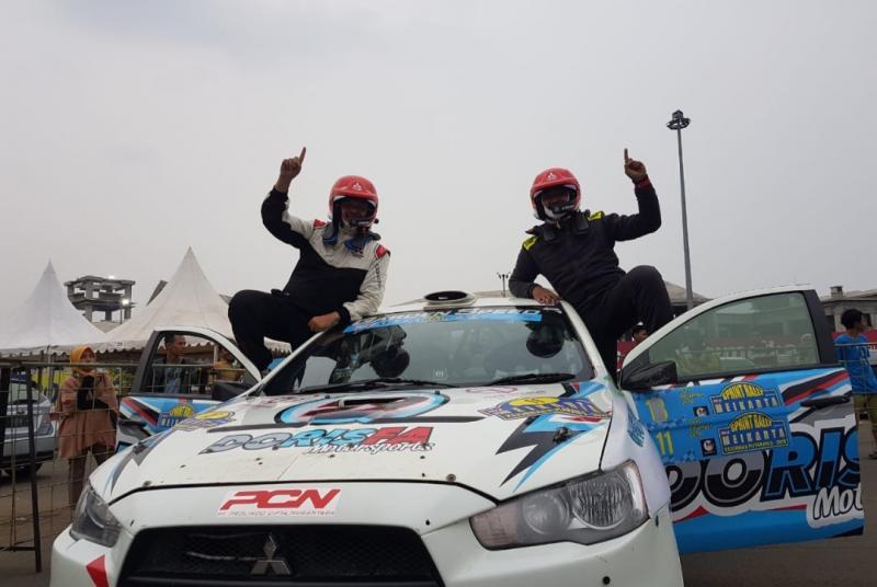 Rifat Sungkar dan navigator M Redwan, juara nasional sprint rally