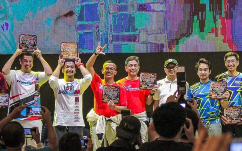 Bimo Pradikto (ketiga dari kiri) pada penyerahan hadiah di Sprint Rally Meikarta