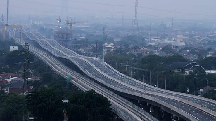 Jalan tol layang elevated Jakarta – Cikampek