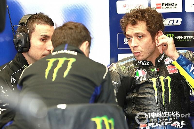Valentino Rossi, masih tanda tanya perpanjuangan kontrak di Yamaha. (Foto: motorsport)