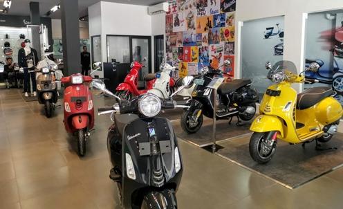 Pembukaan dealer baru ini melanjutkan kemitraan bersama PT Satya Mandiri Motors dengan meresmikan dealer Motoplex di pusat kota Surabaya.(ist)