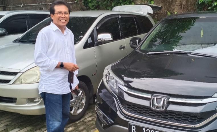 M Fadjroel Rachman memilih menyetir mobil sendiri untuk menjaga keseimbangan. (Foto : bs)