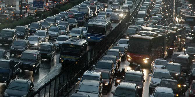 Lalu lintas libur natal melonjak tinggi dibanding tahun lalu (ist)
