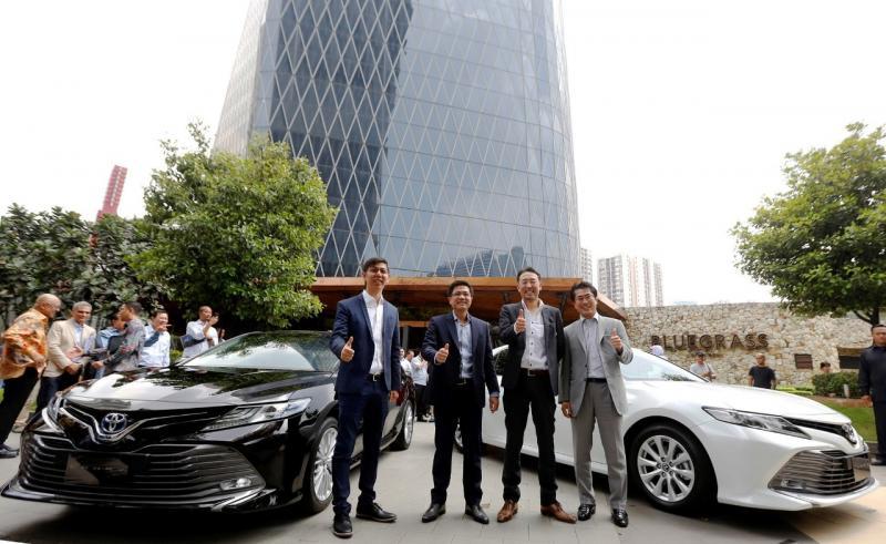 Hadir dalam tiga line up yaitu Hybrid, V dan G, All New Camry siap mendorong dinamika pasar otomotif nasional. (ist).
