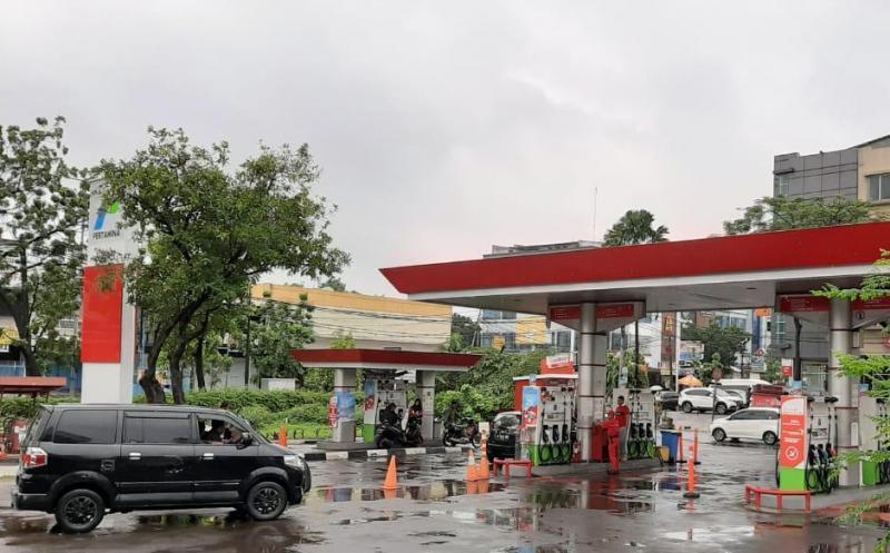 Pertamina Memastikan Distribusi BBM aman meski banjir melanda ibukota
