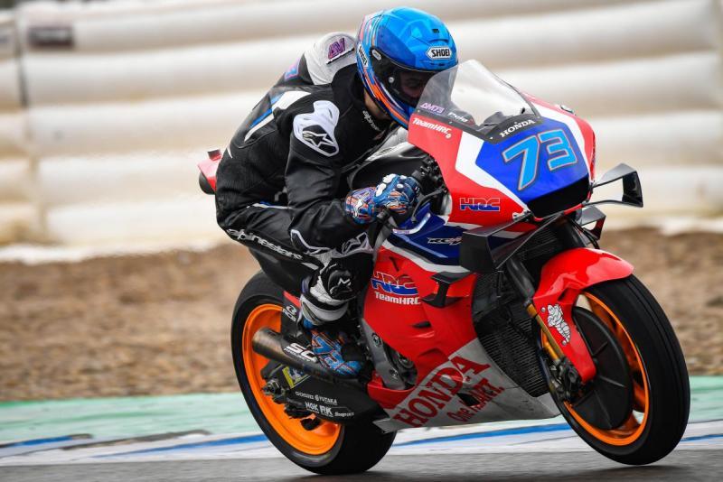 Alex Marquez saat menguji RC213V yang spesifikasinya sama dengan milik Marc Marquez sang kakak. (Foto: motogp)