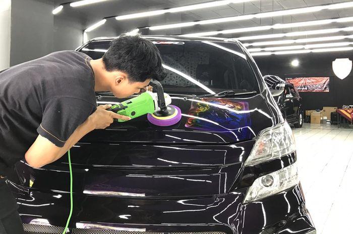 Aplikasi coating membuat cat mobil terhindar dari jamur dan kotoran yang menempel