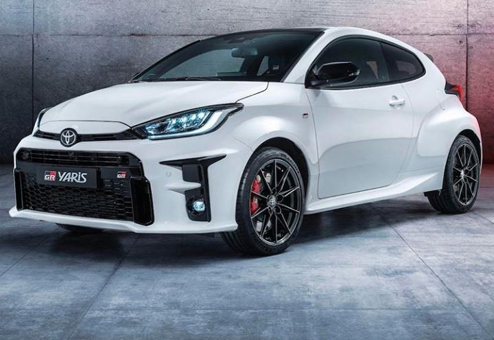 New GR Yaris tampil dalam model tiga pintu yang menyesuaikan regulasi WRC. (toyotauk)