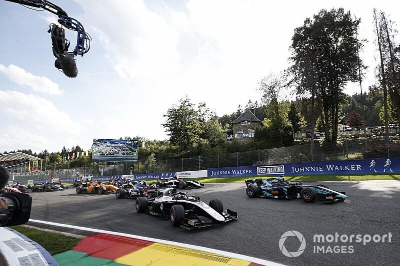 Balap single seater F1 dan F2, bakal bersaing speed pada musim kompetisi 2021.(Foto: motorsport)