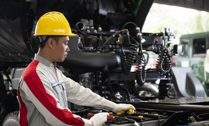 Pelanggan tidak perlu lagi memikirkan perawatan truk, karena semua sudah ditangani oleh Astra UD Trucks. (astraudtrucks)