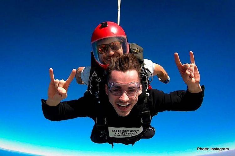 Charle Leclerc saat melayang di angkasa Uni Emirat Arab. (Foto: grandprix247)