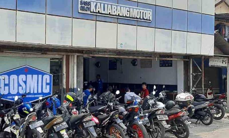 Dongkrak Pamor, Begini Aksi Cosmic Saat Sambangi Suzuki Kaliabang Motor