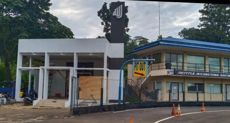 Masjid dipindah ke lokasi baru menjauh dari paddock di Sentul International Kartini Circuit. (foto : bs)