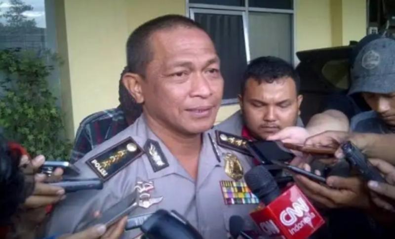 Kombes Pol Yusri Yunus beri keterangan pers terkait penangkapan pasutri pelaku pencurian motor