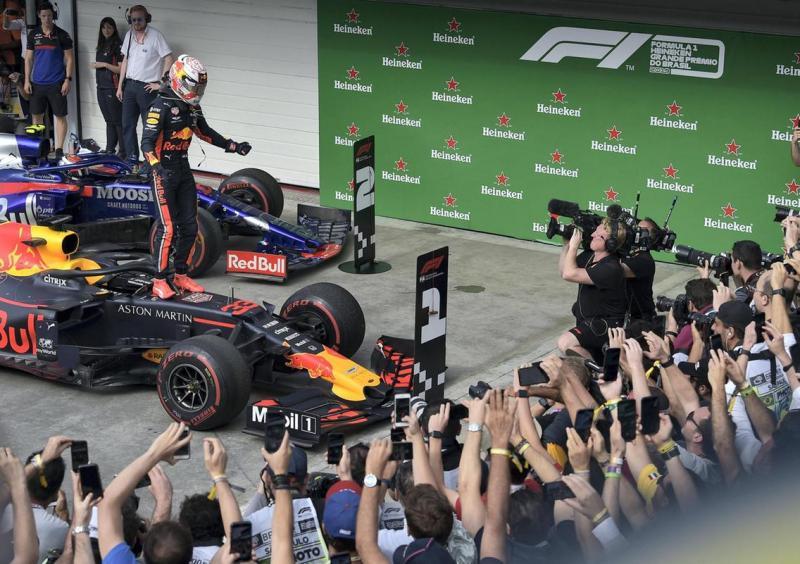 Max Verstappen saat memenangi GP Brasil 2019. (Foto: thenational)