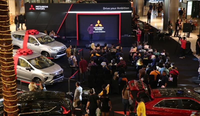 Kemeriahan Mitsubishi Motors Auto Show di Central Park Mall Jakarta Barat.