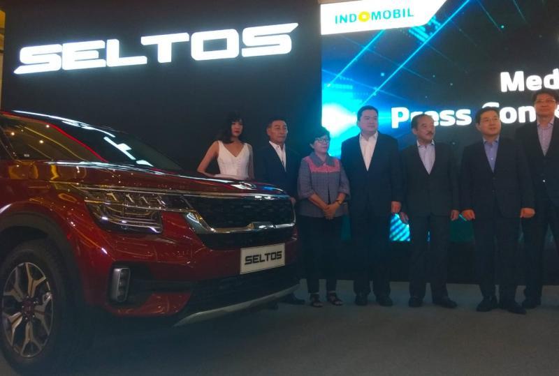 Indomobil dipercaya oleh KIA Motors Corporation untuk mengembangkan merek KIA di Indonesia, lengkap dengan layanan purna jualnya. (anto)
